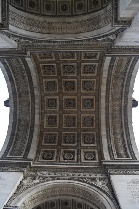 arc de triomphe details